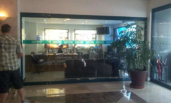 Lotus Garden Hotel: Business Centre - very helpful