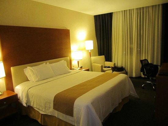 Holiday Inn Express Puebla:                   habitación