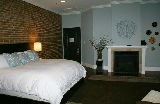 Suites at 249: Aqua Suite