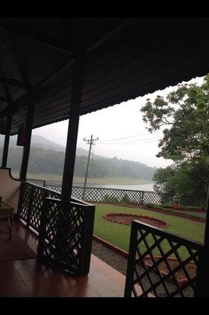 KTDC Lake Palace Thekkady:                                     what a view ...!!!