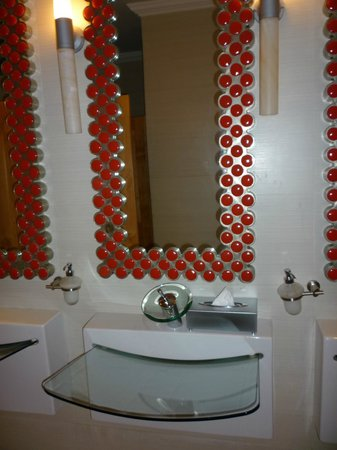 Iberostar Grand Hotel Paraiso: One of the public restrooms