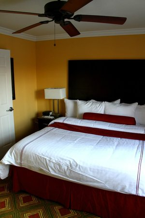 Best Western Premier Saratoga Resort Villas: master bedroom (2nd floor)