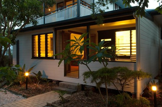 Cavvanbah Beach House: Private Entrance