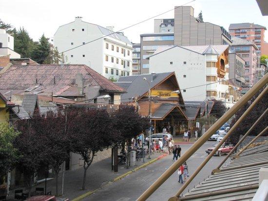 Ayres del Nahuel:                   Vista desde el balcón