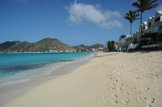 Bleu Emeraude:                   Beach
