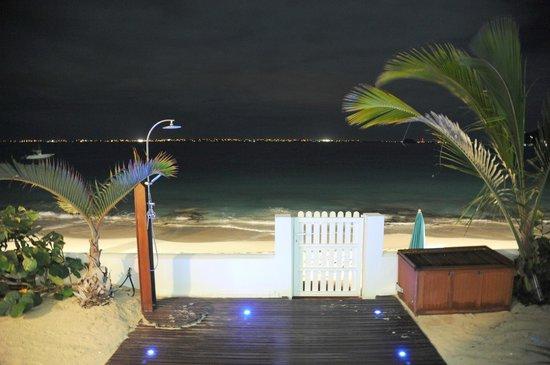 Bleu Emeraude:                   Beach View at Night