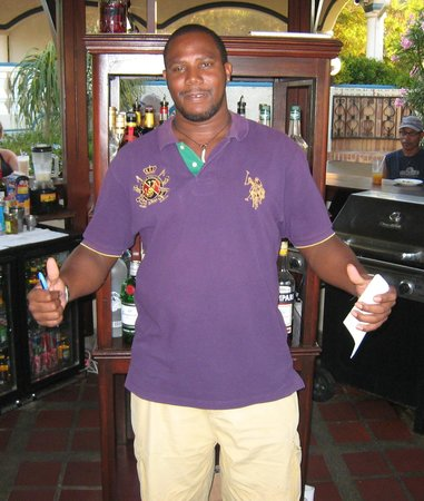 Hotel L'Esplanade: Alan, an amazing bartender and great guy!