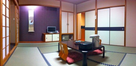 Hotel Sanoya: Living/Bedroom
