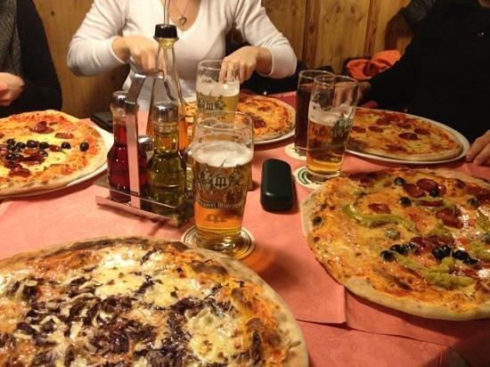 Restaurant Pizzeria Mosl:                                     le pizze