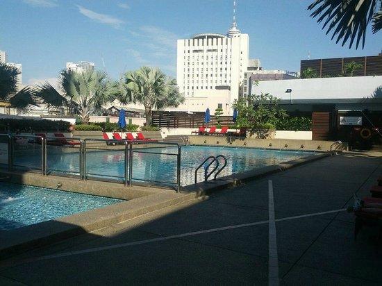 PARKROYAL Kuala Lumpur: Pool