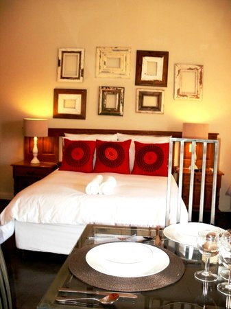 Pumleni Guesthouse: Bedroom
