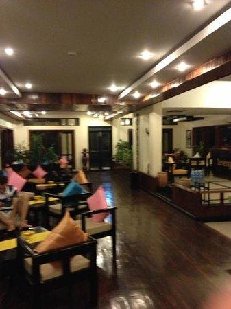 The Kool Hotel:                   lobby