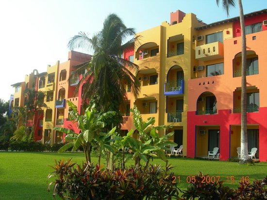 Royal Decameron Complex: Beautiful colors everywhere.