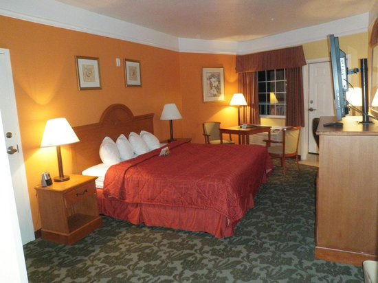 Quality Inn & Suites Beachfront:                   Standard room