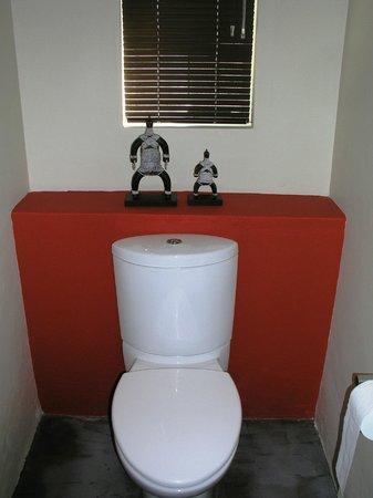 Pumleni Guesthouse: Bathroom
