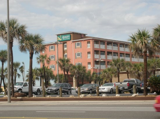 Quality Inn & Suites Beachfront:                   Hotel view