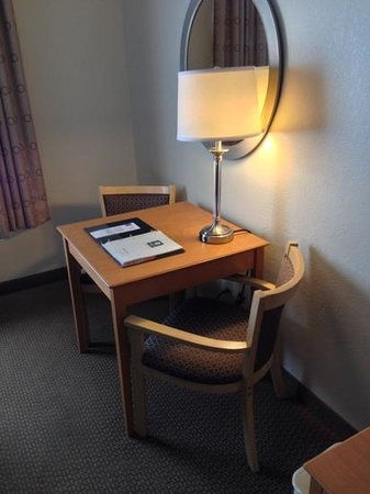 Comfort Inn Oklahoma City: business area