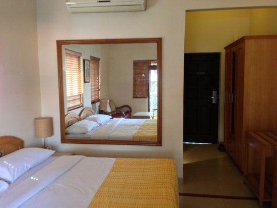 Casa De Goa Boutique Resort: Overall Room