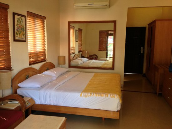 Casa De Goa Boutique Resort: Room from another angle