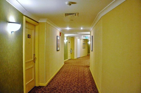 Conrad Istanbul Bosphorus:                   Corridors