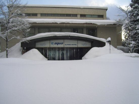 Aqua Alpine Hakuba:                   Front Entrance