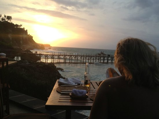 AYANA Resort and Spa:                   Sunset whilst dining at Kisik Seafood Restaurant