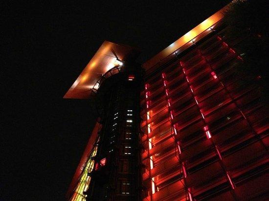 Silken Puerta America:                   El hotel
