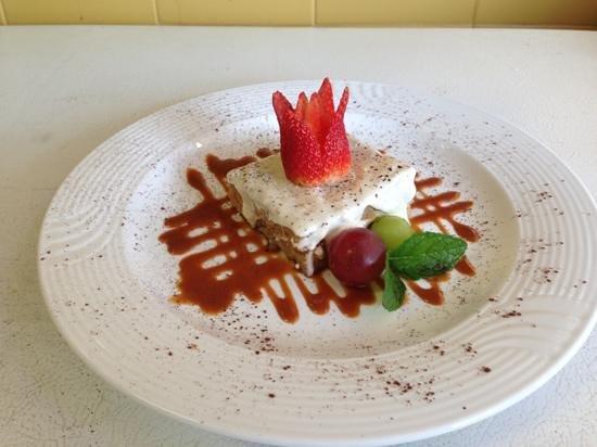 Jacks Bar & Grill:                   Sweet Tentation