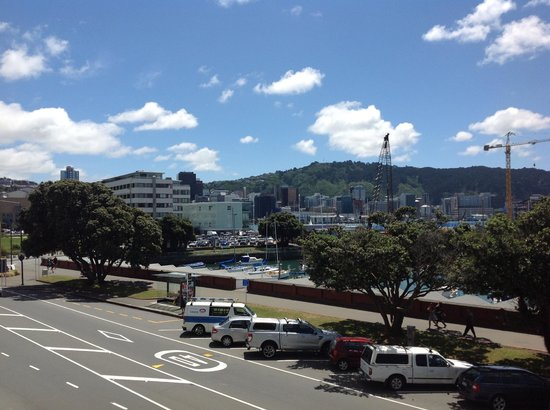 Copthorne Hotel Wellington Oriental Bay:                   Nice views but not quite 'spectacular'
