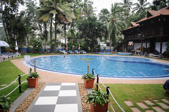 Akhil Beach Resort: Swimming pool