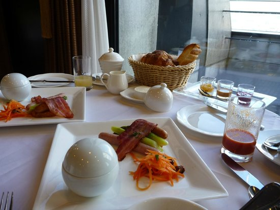 Lala Gotenba Hotel & Resort:                   モーニング
