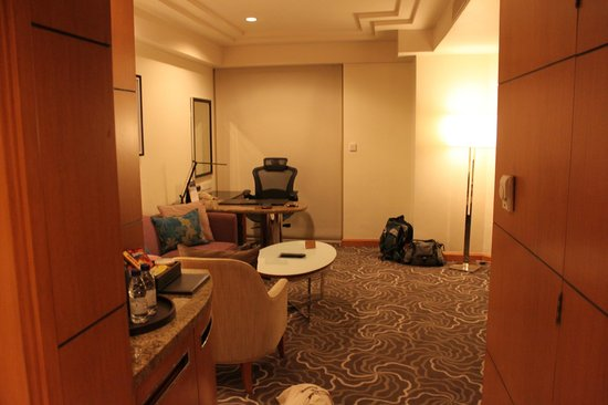 Pan Pacific Manila :                   Sitting room