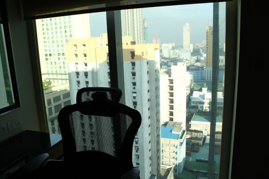 Pan Pacific Manila :                   View of the city from 18th floor