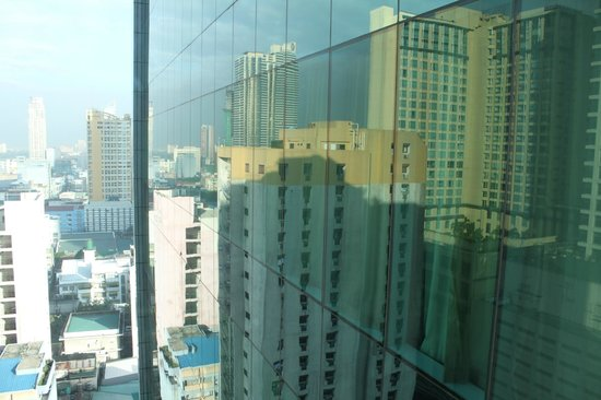 Pan Pacific Manila:                   The city view from window
