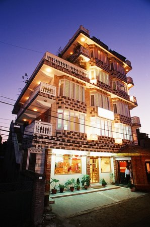 Himalaya Apartment Hotel: Apartment Building
