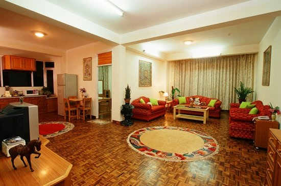 Himalaya Apartment Hotel: Living room of Royal Suite