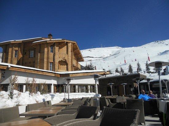 El Lodge:                   hotel