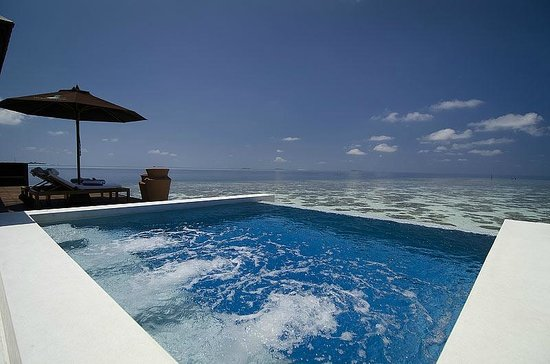 Lily Beach Resort Spa Sunset Water Suite Pool