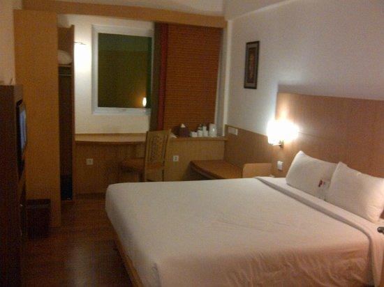 Ibis Bali Kuta:                   Room