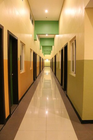 Go Hotels Tacloban Hallway
