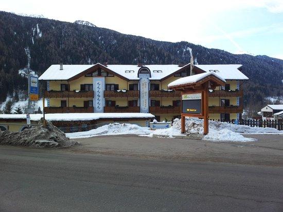 Hotel Val di Sole:                   Vista del hotel