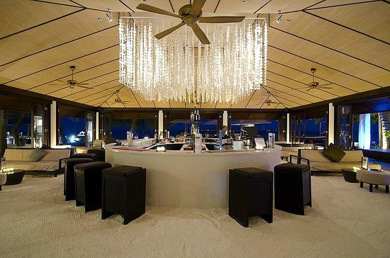 Lily Beach Resort & Spa: Spirit Bar