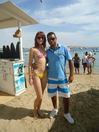 Bay View Hotel:                   Тот самый Миха с экскурсиями на пляже