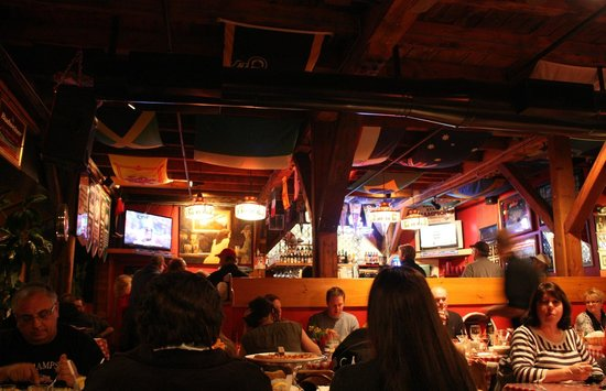 Giuseppe's Pizzeria :                   Lots of atmosphere