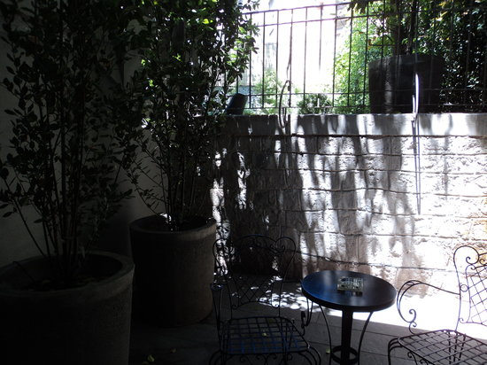 Lastarria Boutique Hotel:                   Our courtyard