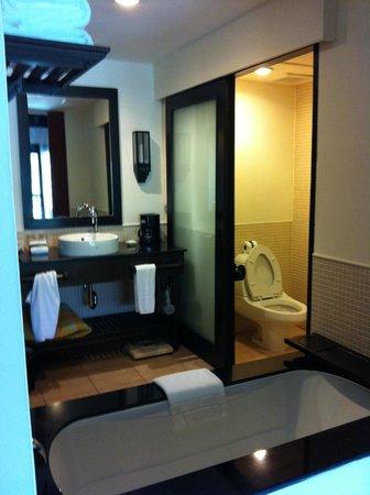 Bandara Resort & Spa: Toilet