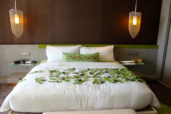 W Retreat & Spa Bali - Seminyak:                                     ocean view room