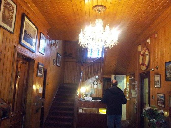 St. Magnus Bay Hotel:                   Reception Area