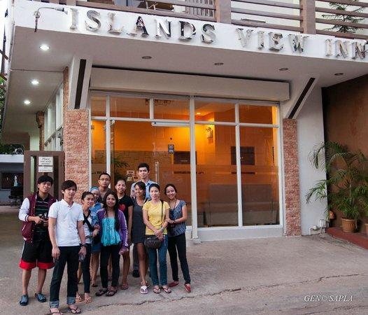 Islands View Inn:                   With my high school friends