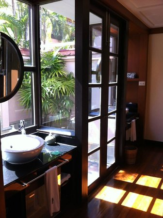 Banyan Tree Phuket:                   bathroom